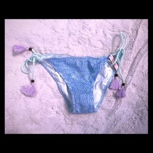Victoria's Secret bikini bottom size Medium